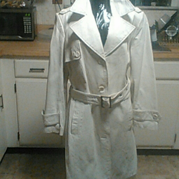 purchase original marketable harmonious colors White leather trench coat. Size 16W. Made by Roman